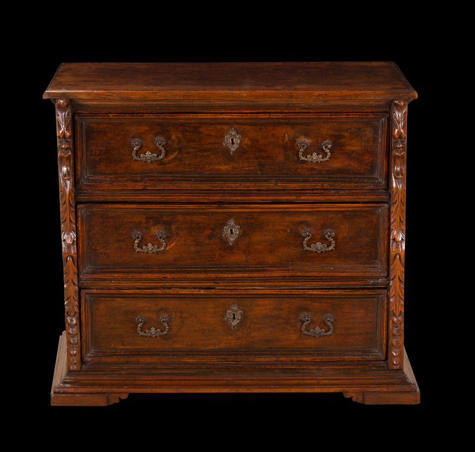 italian baroque walnut commode foster gwin art and antiques san francisco. Black Bedroom Furniture Sets. Home Design Ideas