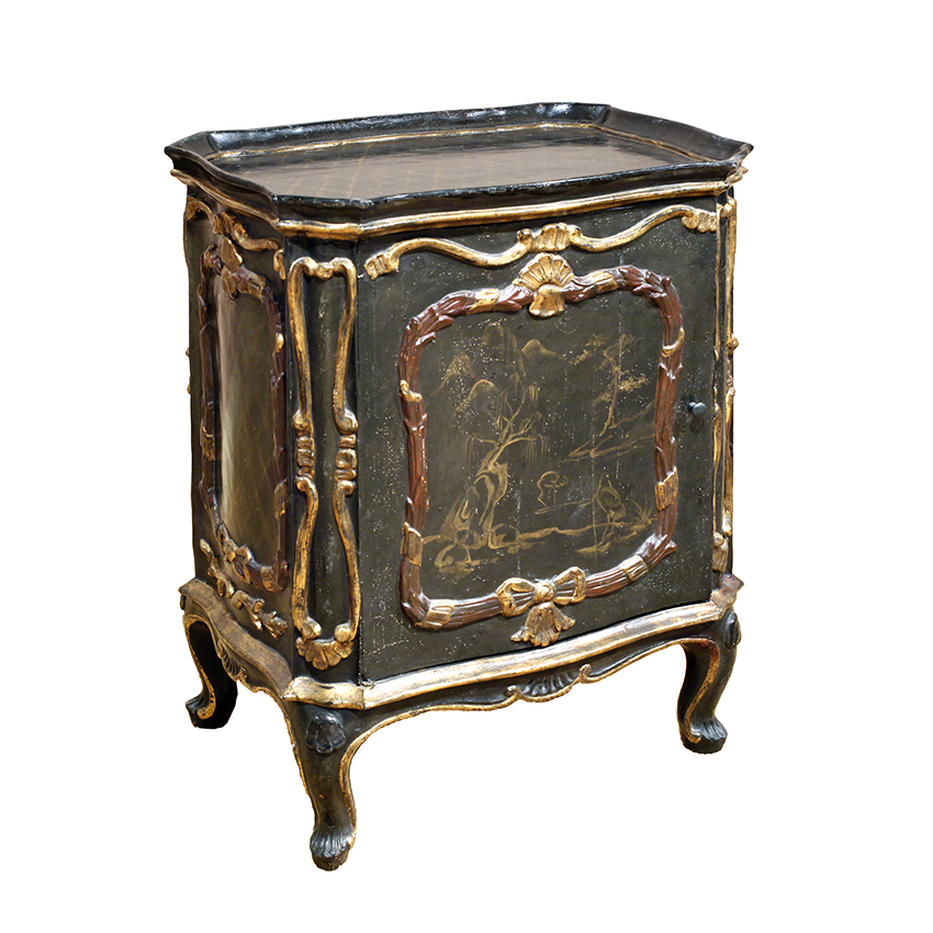 Italian Rococo Green Lacquer Cabinet. The dish top over a single door
